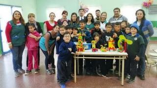 """Alumnos de la Escuela Nº 11 """"Carlos Juan Rodríguez"""" recibieron kits de robótica especial"""