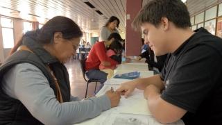 Los alumnos de 18 años en adelante podrán retirar su tarjeta de débito para el cobro de la beca