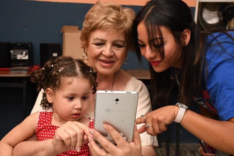 En menos de tres días, cerca de 600 jubilados se inscribieron para recibir su tableta