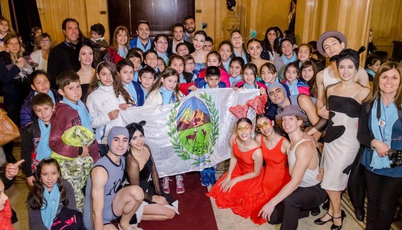 """Los alumnos de la Escuela """"Manuel Belgrano"""" disfrutaron de la obra """"Alicia en el País de las Maravillas"""""""