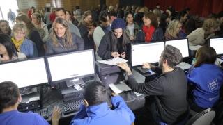 Más de 500 docentes recibieron sus tabletas