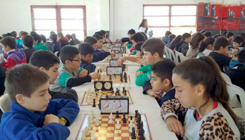 Más de 400 chicos participaron de las semifinales  de Ajedrez en los departamentos Pedernera y Ayacucho
