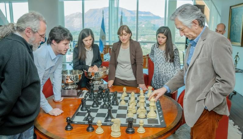 El Gobernador reconoció a los campeones argentinos de ajedrez