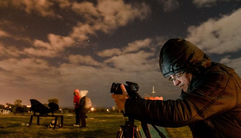 Aficionados del cielo aprendieron sobre  astrofotografía en el Parque Astronómico