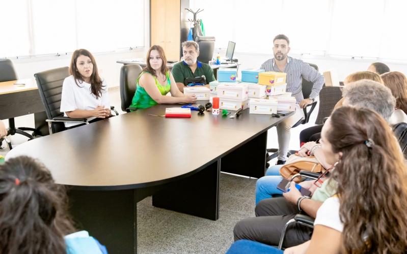 La Secretaría de Extensión de la ULP entregó kits de ayuda técnica a distintas instituciones educativas