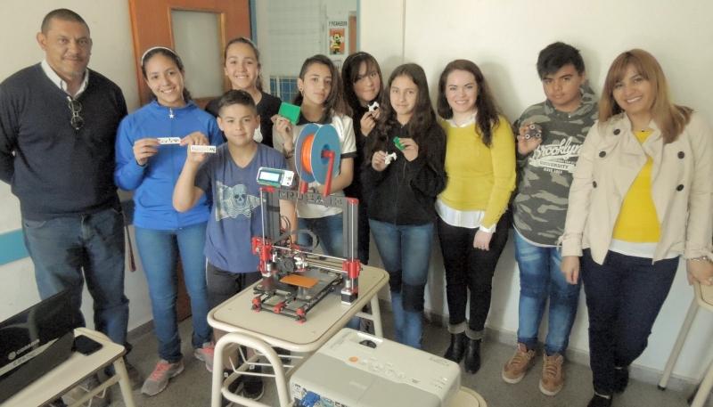 Alumnos de La Punta aprenden geometría espacial  a través de la impresión 3D