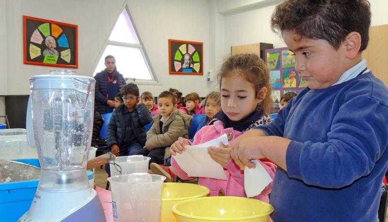 Alumnos del nivel inicial de La Punta aprendieron a reciclar papel en la ULP