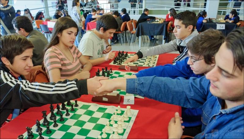 Más 150 chicos jugaron al Ajedrez en la etapa departamental de las Olimpíadas