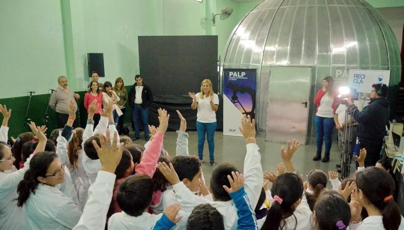 El Planetario Itinerante continúa sumando aficionados en cada rincón de  la provincia
