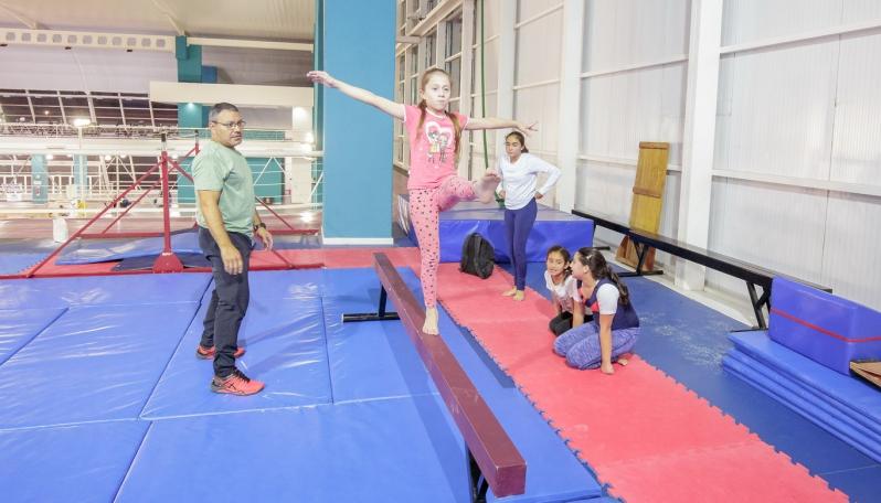 El equipo de gimnasia artística del Campus compite con todas sus categorías