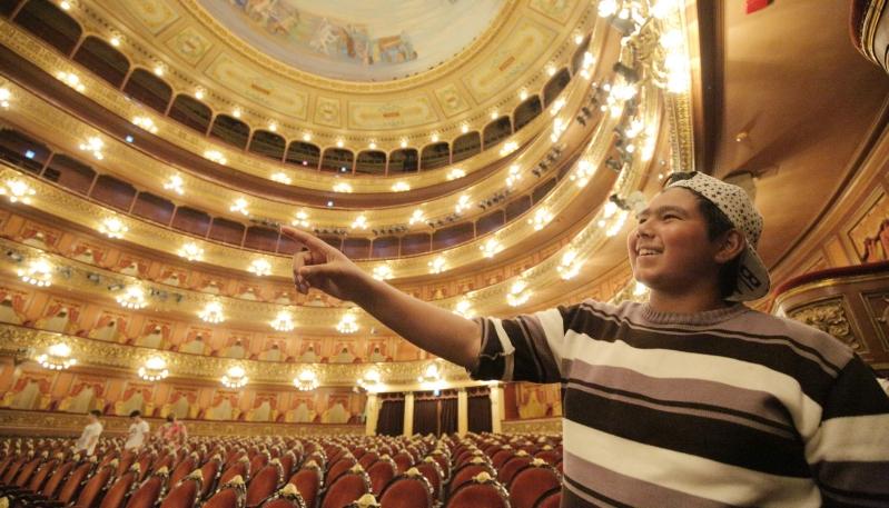 Alumnos de tres escuelas de parajes de San Luis conocerán el Teatro Colón