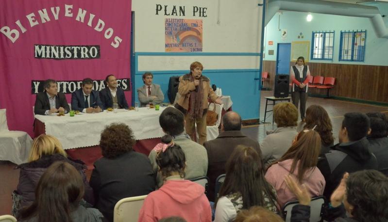 Alumnos del PIE de la escuela N°49 Lindor Quiroga, fueron visitados por funcionarios provinciales