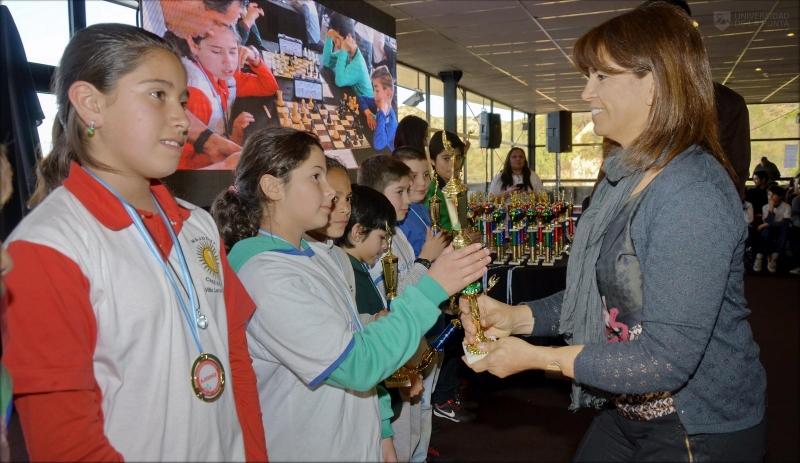 Más de 300 chicos de toda la provincia movieron las piezas de la amistad y la integración