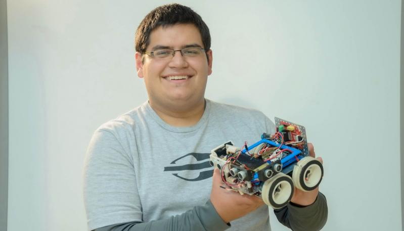 El mercedino que encontró en la robótica la posibilidad de hacer realidad su sueño mundial