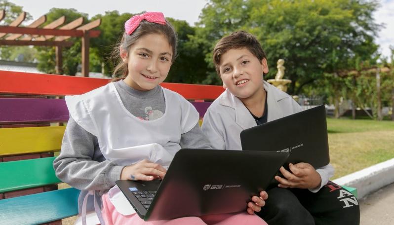 Esta semana recibirán su dispositivo niños y jubilados de El Trapiche, Luján, La Toma y Villa Mercedes