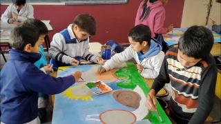 Tecnología y creatividad en una muestra artística estudiantil