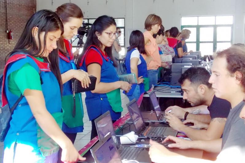 200 docentes renovaron su Firma Digital en la localidad de Justo Daract