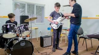 Este lunes vuelven a la presencialidad los talleres de la Escuela de Música