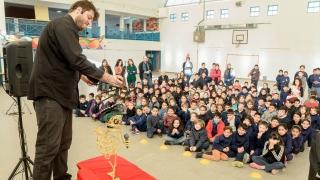 Cientos de alumnos y docentes disfrutaron de la magia del teatro