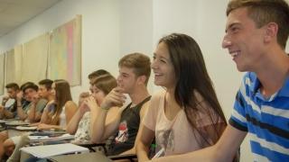 Miles de alumnos comenzaron las clases en la ULP