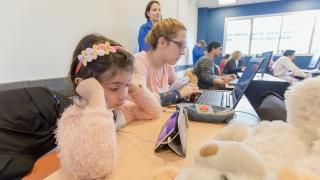 Estudiar online y ser mamá, hoy es posible